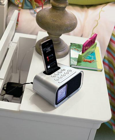 Universal Smart Stuff charging station